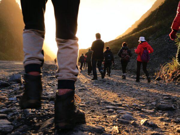 sétálás a hegyben